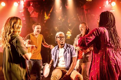 CLOSE TO YOU. James Williams, Rento Paris, Greg Coulson, Stephanie McKeon, Anastacia McCleskey. Credit Johan Persson.jpg